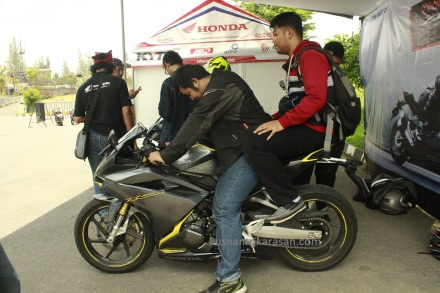 Impressi tampak pebonceng Honda all new CBR 250RR