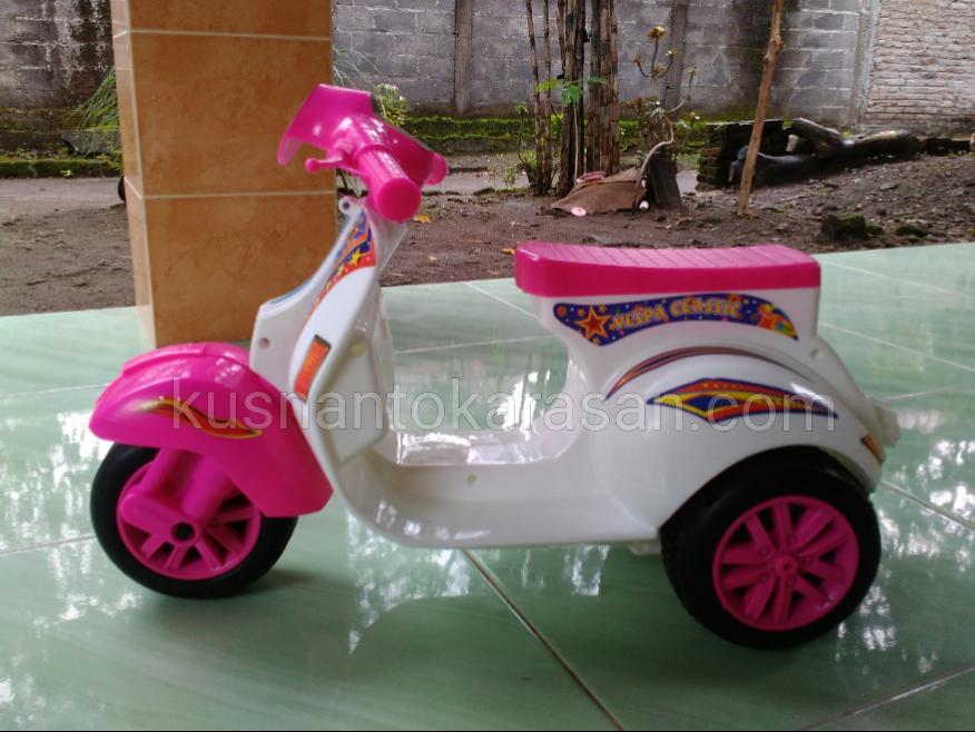 Mainan Vespa Klasik Mini Mirip Piagio Px150 Kusnantokarasan Com