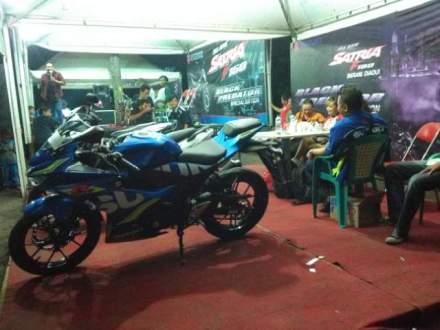Suzuki GSX-R 150 warna biru livery motogp