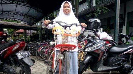Okti Sulistiani Sari pelajar MAN 1 Yogyakarta