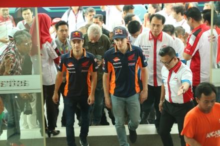 Kunjungan ke Astra Motor Center Jakarta merupakan kunjungan pertama Marc dan Dani ke dealer motor Honda di Indonesia