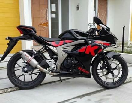 Suzuki GSX-R 150 dipasang knalpot racing