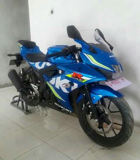 Suzuki GSX-R 150 warna biru livery MotoGP 2017