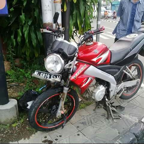 Yamaha V-Ixion yang menabrak CBR
