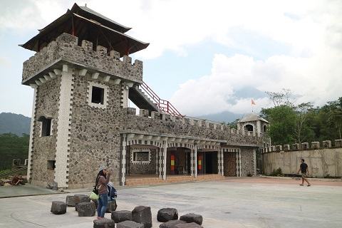 The lost world castle Sleman - bakpiamutiarajogja.com