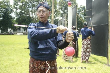 KRT H. Jatiningrat, SH anak panah nya mengenai sasaran
