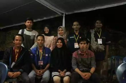 9 mahasiswa KKN UMY yang membuat game 'Goa Jepang'