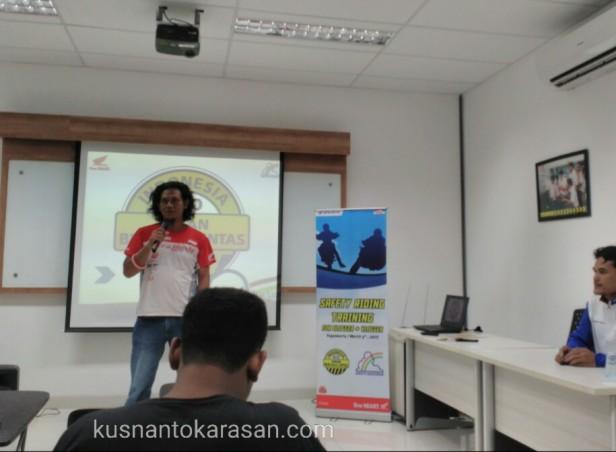 Mas Hadiyanto mewakili blogger/ vlogger memberi sambutan & ucapan terimakasih
