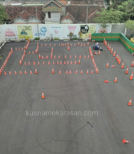 Zona slalom course