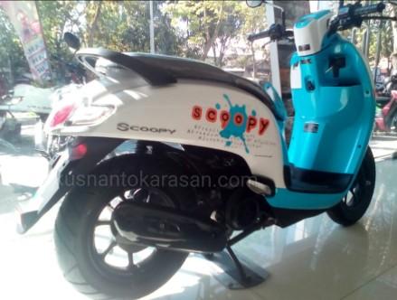Foto Honda Scoopy Terbaru 2017 Warna Biru Putih Kusnantokarasan Com
