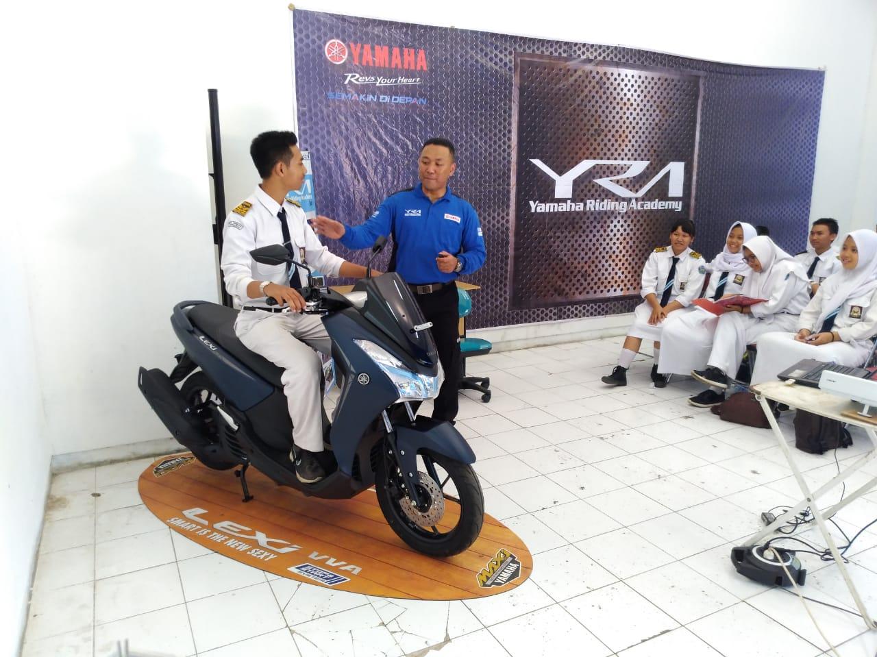Https 2018 11 17 Modifikasi Motor Beat Karbu New Supra X 125 Fi Cast Wheel Energetic Red Kota Semarang Img 20180827 Wa0039