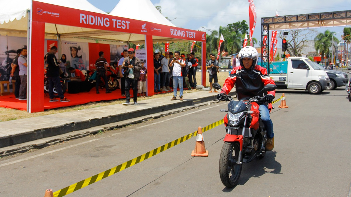 Astra Motor Yogyakarta Resmi Perkenalkan Honda Cb150r Streetfire Dan All New Cb 150r Raptor Black Sleman Cbr250rr Terbaru